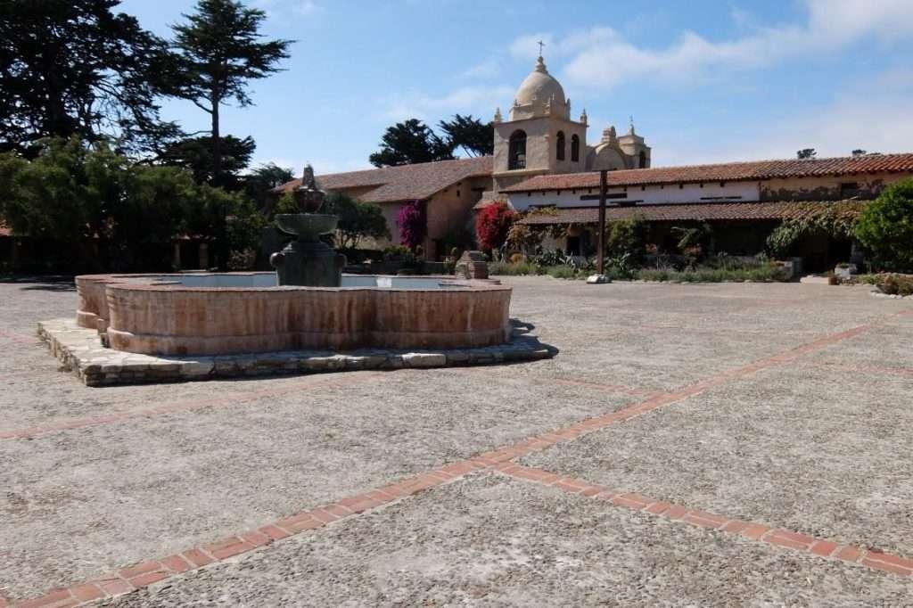 Carmel mission il piazzale California