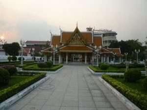 tempio al tramonto