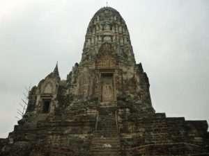 ayutthaya wat ratburana prang bianco