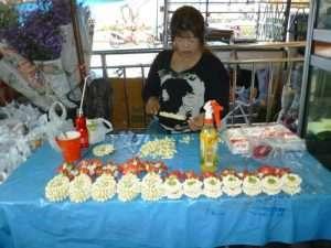 bangkok mercato fiori venditrice
