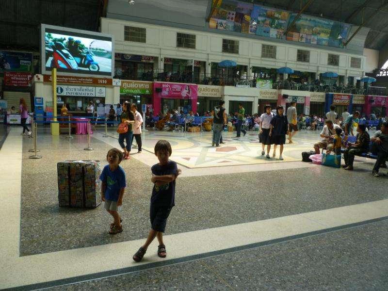 bangkok stazione ferroviaria