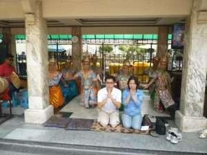 bangkok fedeli in preghiera