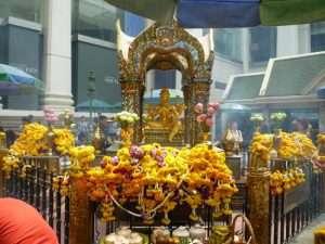 bangkok tempio nell'incrocio