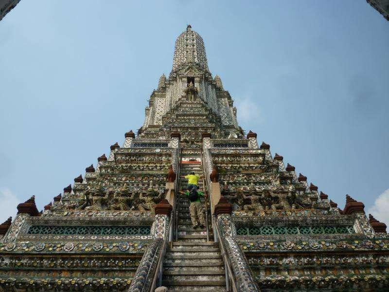 bangkok wat arun punta del tempio