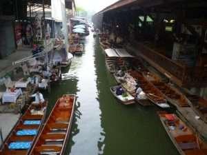 canale al mercato galleggiante