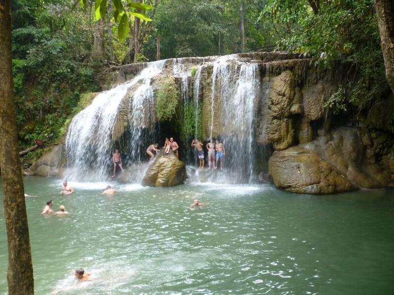 kanchanaburi cascate parco nazionale