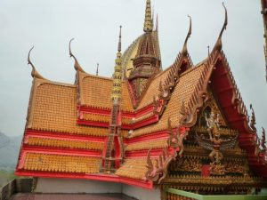 kanchanaburi tetto del tempio