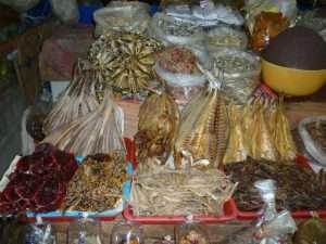 pesce secco al mercato di bophit ko samui