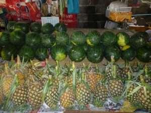 ko samui frutta al mercato di bophit