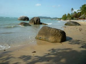 rocce sulla spiaggia a ko sa ui