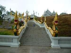salita al tempio di krabi city