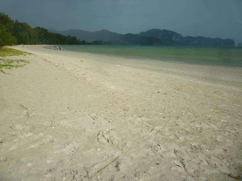 spiaggia hat nopparat thara