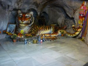 caverna della tigre a krabi