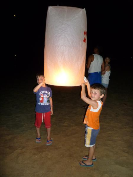 ao nang lanterne di carta