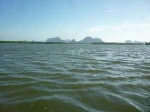 navigazione nella baia di phan nga