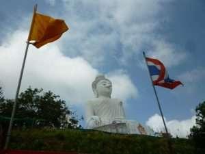 phuket buddha gigante bianco