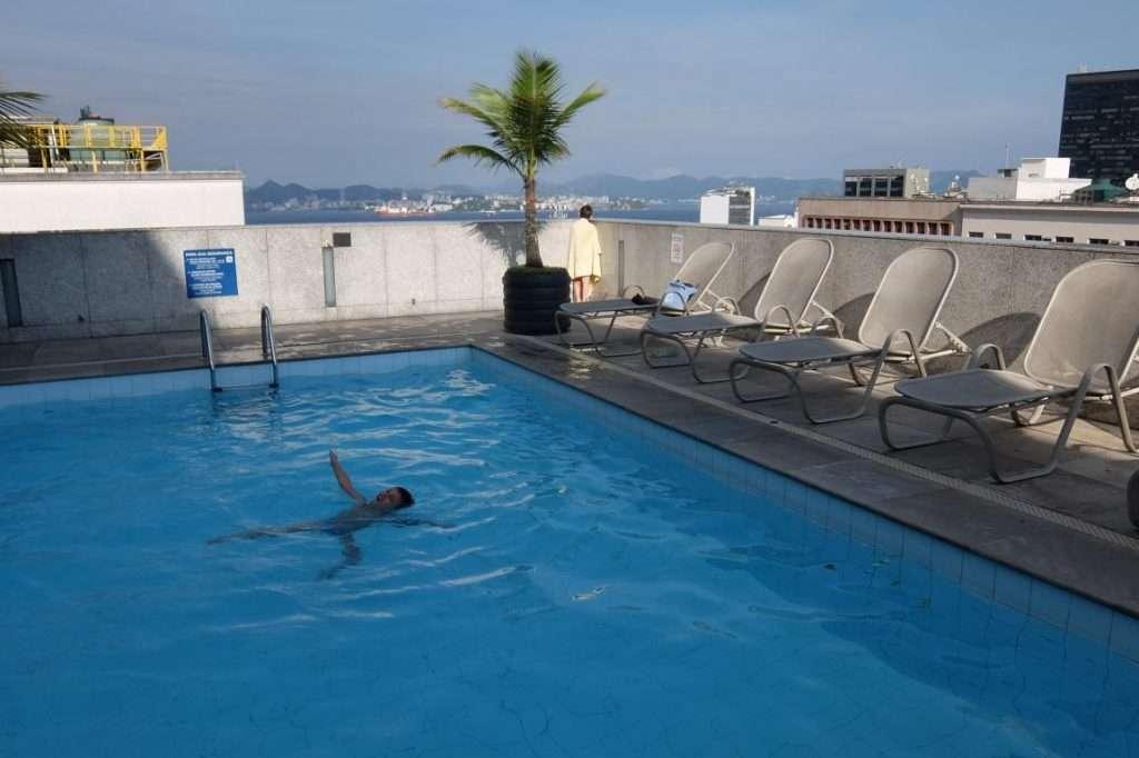 Piscina hotel a Rio