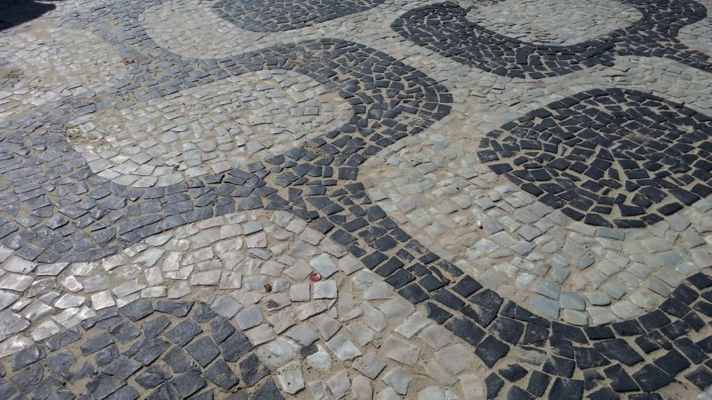 mosaico pavimentale a Ipanema