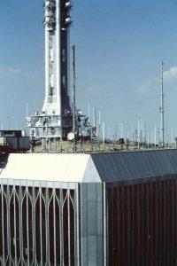 L'antenna su una torre gemella