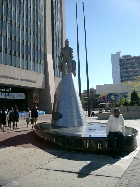Adam Clayton Powell monumento