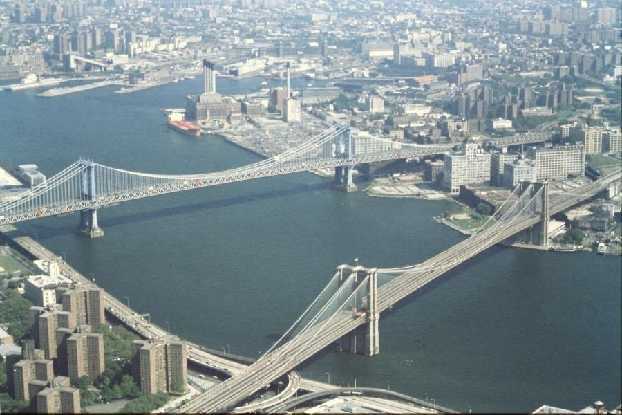 Ponte di Brooklyn dalle torri gemelle