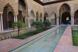 Alcazar Siviglia giardini interni