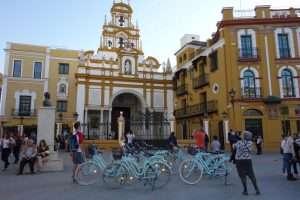 Basilica la Macarena esterno a Siviglia