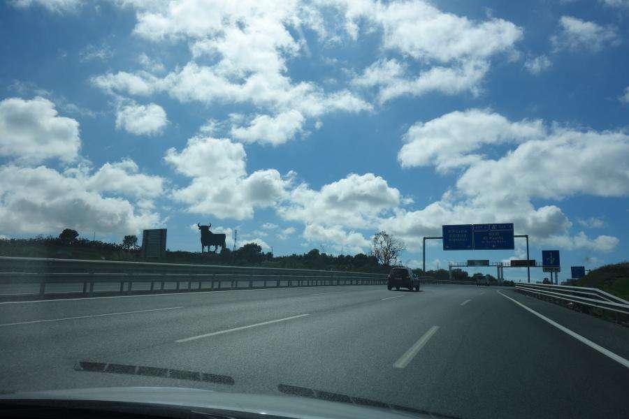 Autopista andalusa e sagoma toro