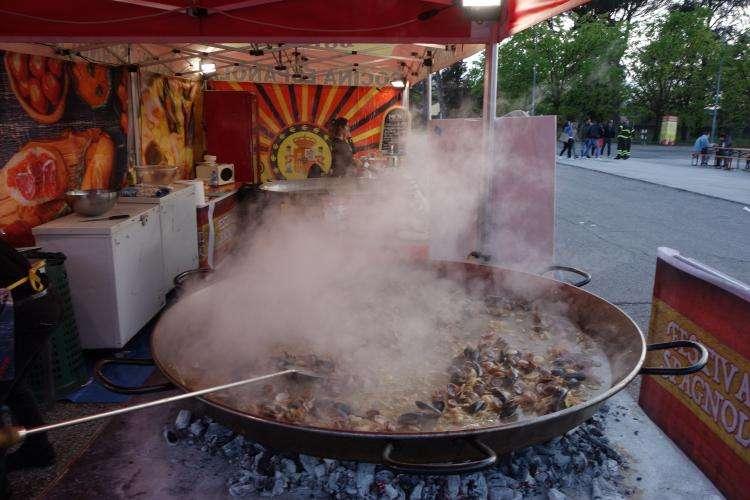 Festival spagnolo paella