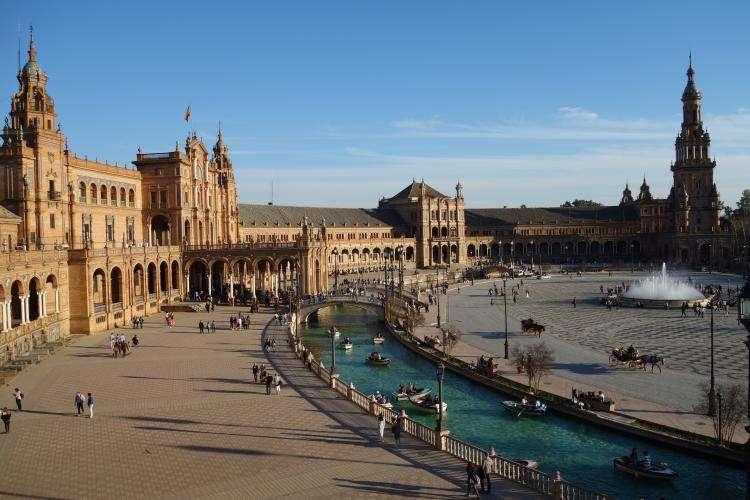 Siviglia Plaza de Espana canale