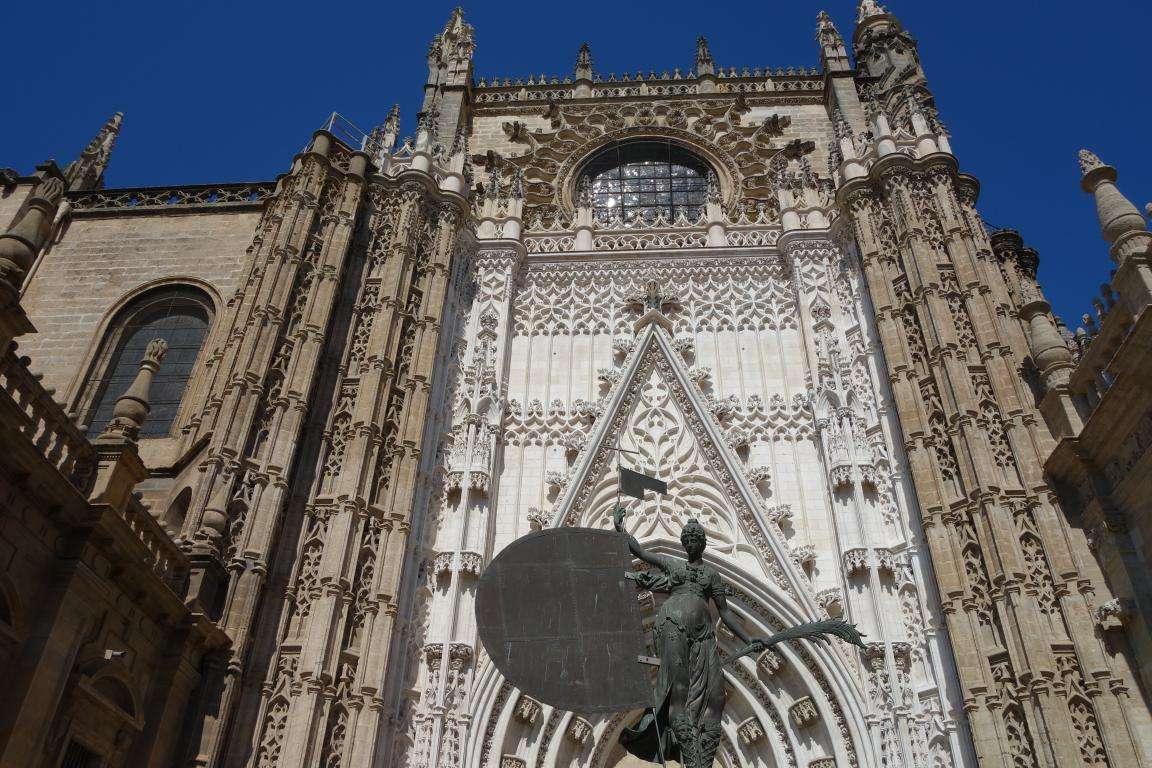 Cattedrale di Siviglia copia del Giraldillo