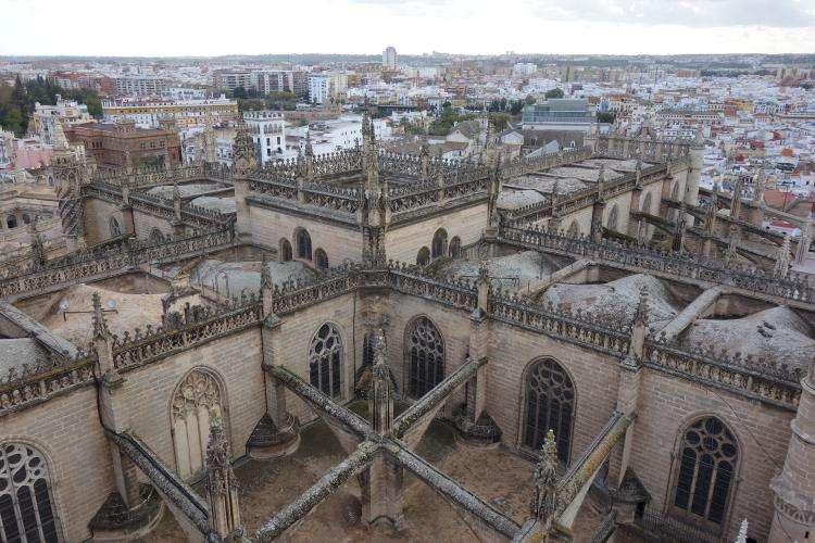 Cattedrale vista dalla Giralda di Siviglia