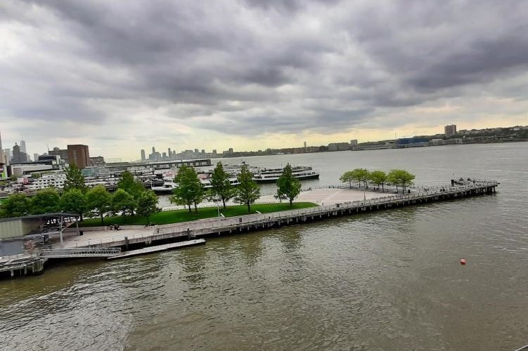 Molo 84 di New York sull'Hudson