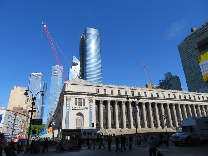 Pennsylvania Station dietro Hudson Yards