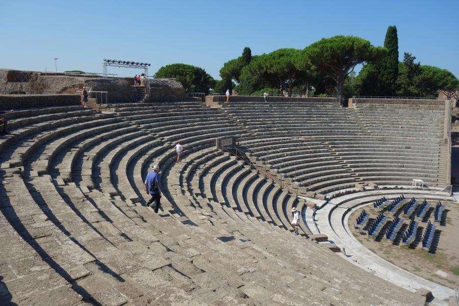 Ostia antica l'anfiteatro