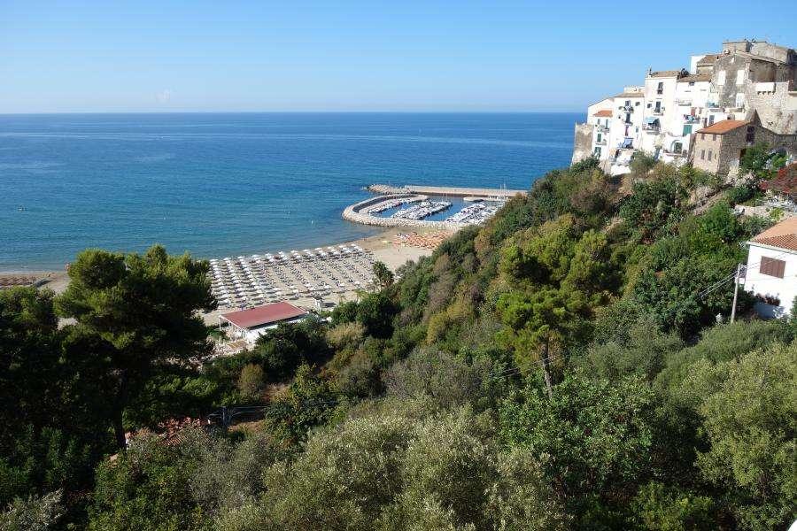 Sperlonga costa di Ulisse Lazio in camper