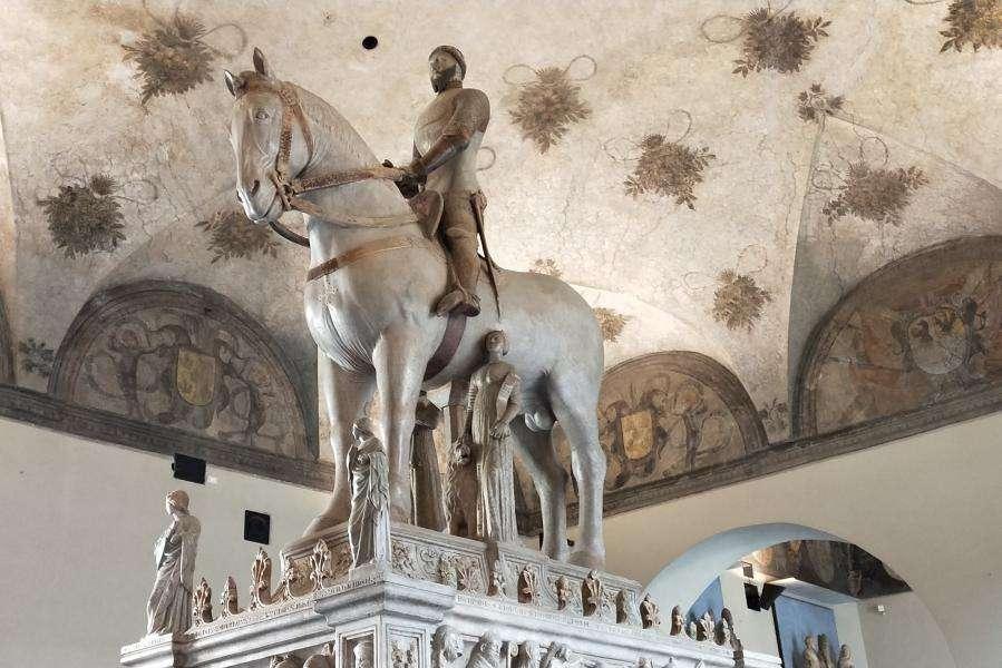 Monumento a Berbabò Visconti Museo arte antica