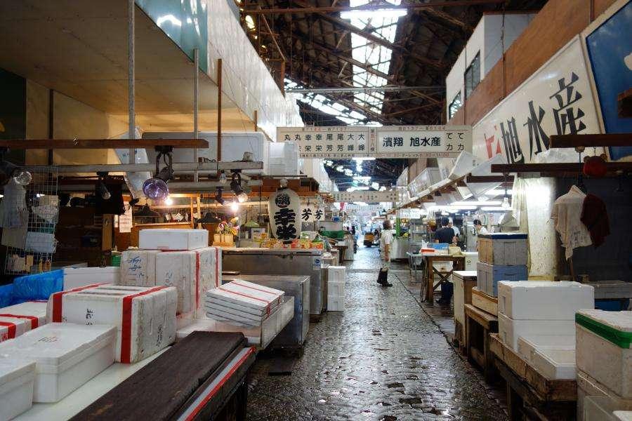 Tsukiji ex mercato del pesce di Tokyo